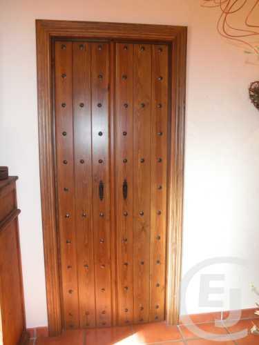Puertas dobles modernas and post mycelular for Puertas dobles de madera modernas